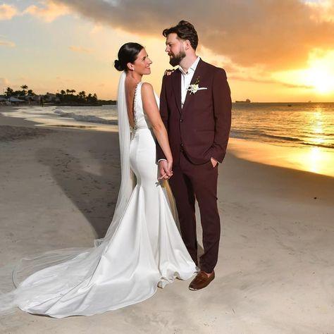 Being in love is like having an endless supply of sunshine. #beachwedding #realbride