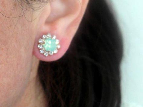 #weddings #jewelry #earrings #bridesmaidgift #bridalearrings #vintageearrings #bridesmaidsearrings #swarovskiearrings #studearrings #rosegoldstuds #mintstuds #mintopalstuds #mintcrystalearring #rosegoldandmint #mintwedding