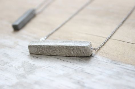 Concrete Necklace Tutorial - Learn How to DIY - Concrete Jewelry, minimalist jewelry, Diy jewelry -