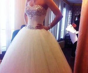 تفسير فستان الزفاف في الحلم معنى فستان الزواج في المنام Princess Wedding Dresses Dream Wedding Dresses Princess Wedding