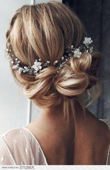 20 Wunderschone Hochzeitsfrisuren Fur Kurzes Haar Und Dunnes Haar Thin Fr My Blogger Hakuna Matata T24 In 2020 Floral Hair Pieces Wedding Hair Down Hair Styles
