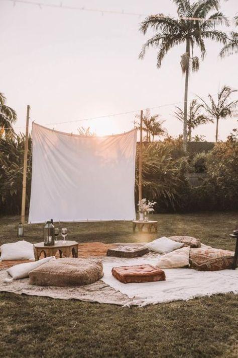 Backyard Movie Nights, Outdoor Movie Nights, Outdoor Movie Party, Diy Outdoor Party, Backyard Movie Party, Outdoor Dinner Parties, Outdoor Movie Screen, Outdoor Cinema, Outdoor Spaces