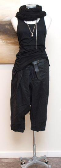 stilecht - mode für frauen mit format... - rundholz dip - Hose 7/8 Pleated black - Sommer 2013
