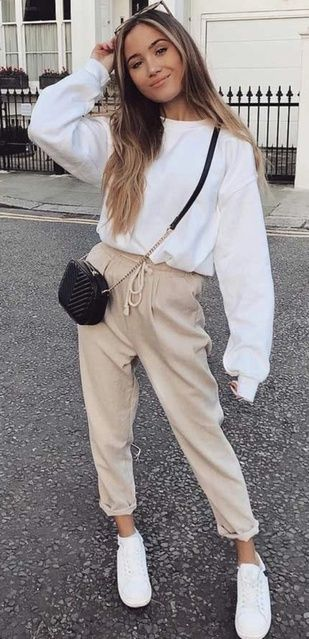 Winter Outfits Women, Casual Winter Outfits, Winter Fashion Outfits, Look Fashion, Woman Outfits, Winter School Outfits, Womens Fashion, Casual Sporty Outfits, Casual Ootd
