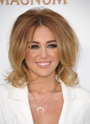 Miley Cyrus Hair Copy Her Hairstyle With Some Easy Tips Miley Cyrus Hair Copy Her Hairstyle With Some Easy Tips