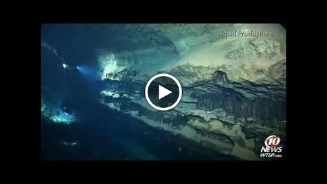 Divers+explore+the+caves+under+Weeki+Wachee