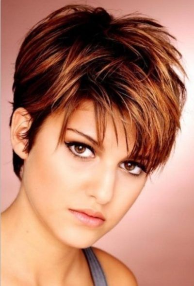 Top 10 Different Short Hairstyles For Round Faces With Picture