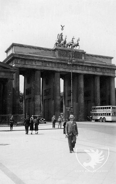 Brandenburger Tor Old Feedpuzzle Vintage Photography Black And White Pictures