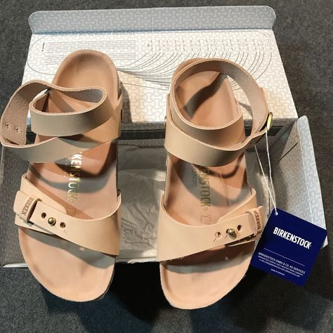 This listing is for a pair of Birkenstock Delhi ankle strap