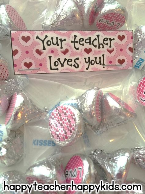 Free Your Teacher Loves You Chocolate Kiss Stickers! Perfect to give to your students this Valentine's Day
