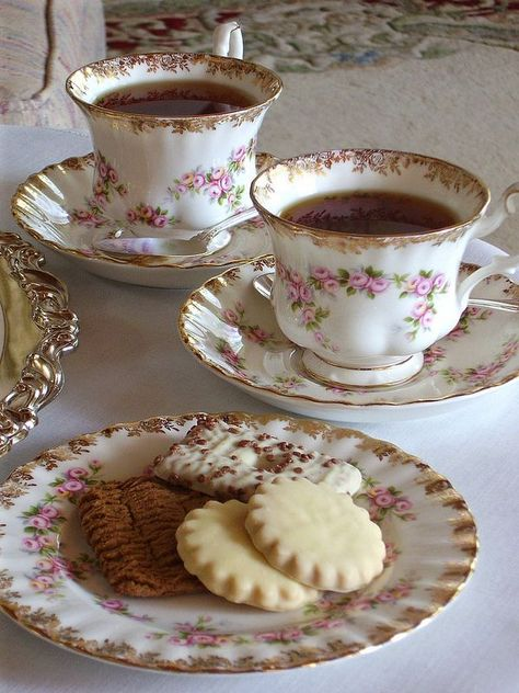 "tea and cookies tea and cookies Fragrant tea inspiration for Karen Gilbert Royal Albert ""Dimity Rose"" china Café Chocolate, My Cup Of Tea, Aesthetic Food, Pink Aesthetic, Cute Food, Vintage Tea, High Tea, Coffee Time, Tea Party"