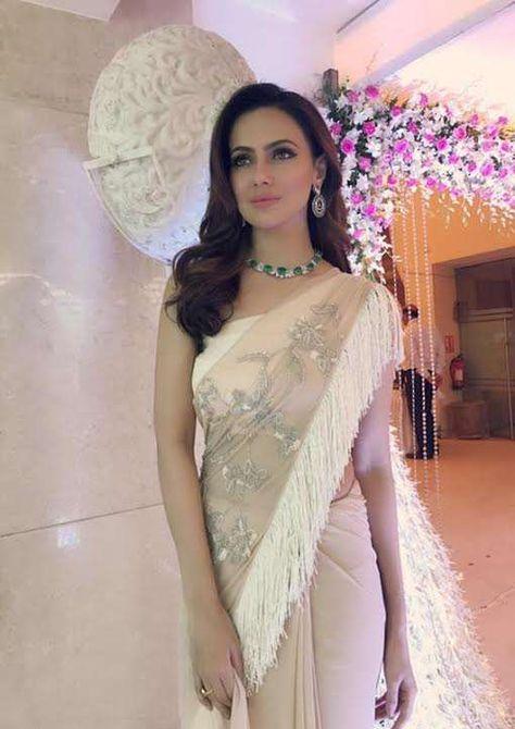 Gorgeous Sana Khan in Reeti Arneja and Jewellery by MiRA by Radhika Jain for an event in Mumbai