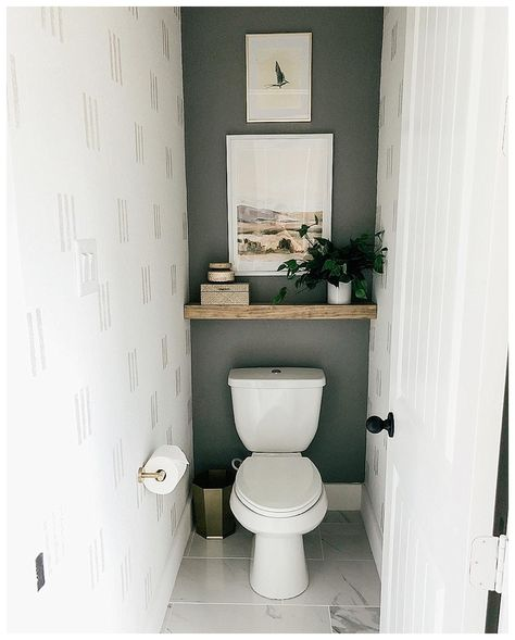 Small Toilet Decor, Small Downstairs Toilet, Toilet Room Decor, Small Toilet Room, Toilet Wall, Small Bathroom, Small Toilet Design, Master Bathroom, Bad Inspiration