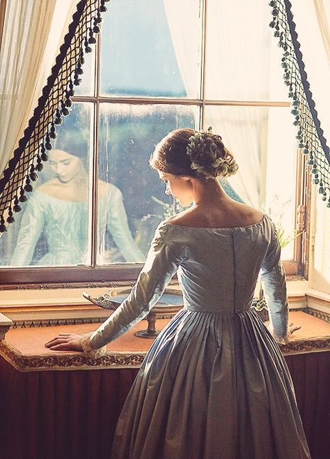 Created by Daisy Goodwin. With Jenna Coleman, Adrian Schiller, Jordan Waller, Tommy Knight. The early life of Queen Victoria, from her ascension to the throne at the tender age of eighteen to her courtship and marriage to Prince Albert. Jenna Coleman, Victoria And Albert, Queen Victoria, Victoria Beauty, Victorian Era, Victorian Fashion, Story Inspiration, Character Inspiration, Victoria 2016