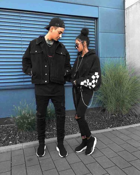 Sock sneakers are the sporty trend shoes for men and women: styling tips and 21 outfits  #outfits #shoes #sneakers #sporty #styling #trend #women
