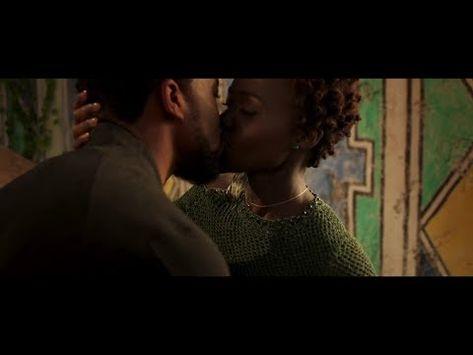 Black Panther:T'challa and Nakia kiss scene
