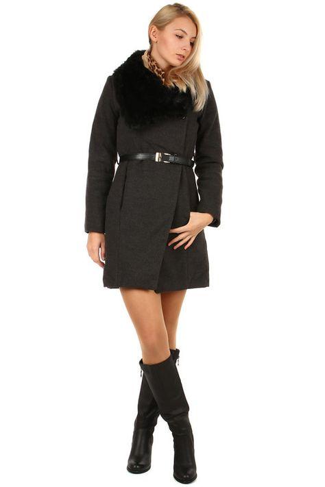 Zimní dámský kabát s kožešinovým límcem  9fed116aaf