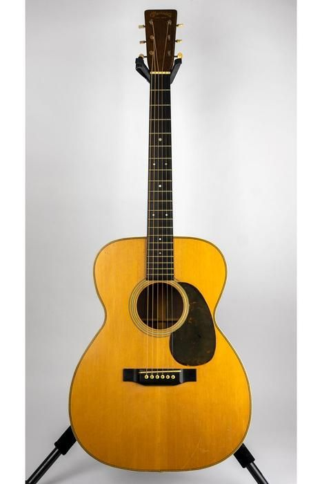 1944 Martin Herringbone 000 28 Acoustic Guitar 89694 W Case Pre Owned Glen Quan Private Collection Acoustic Guitar Guitar Acoustic Guitar Tuner