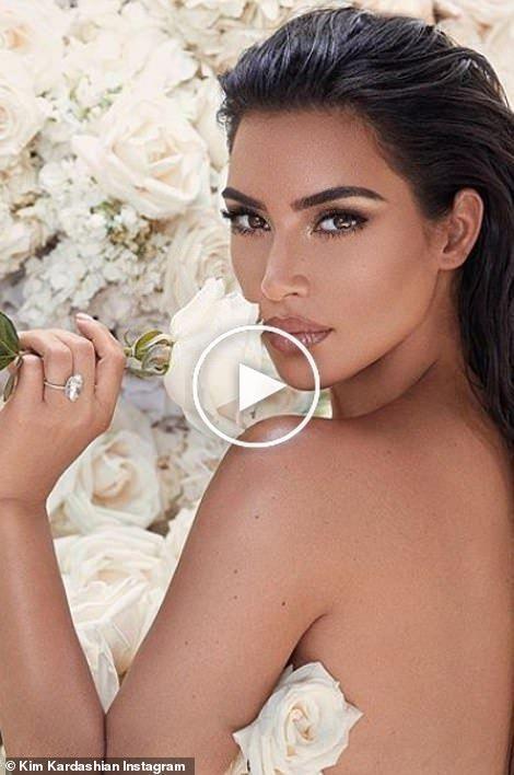 Kim Kardashian Und Kanye West Funf Jahres Hochzeitstag In 2020 Asian Makeup Kim Kardashian And Kanye Aesthetic Makeup