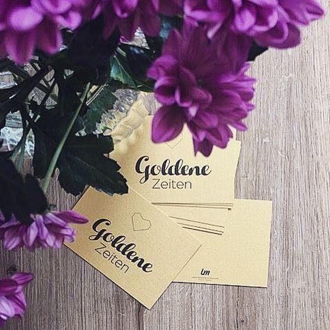 Frisch Gedruckte Postkarten Auf Goldpapier Ein Absoluter