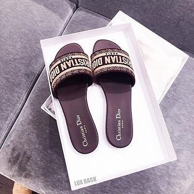 Louboutin shoes price