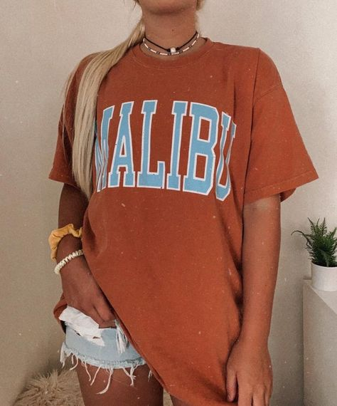 Camisa Oversized, Oversized Shirt, Aesthetic T Shirts, Aesthetic Clothes, Cute Casual Outfits, Summer Outfits, Comfort Colors, Summer Tshirts, Estilo Hippy