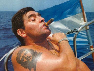 Maradona's Che Guevara tattoo. | Diego maradona, Diego, Football love