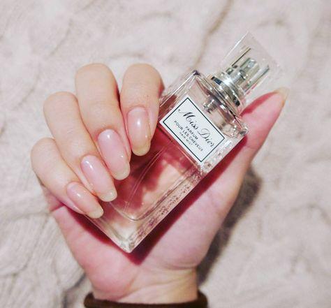 誕生日プレゼントにDiorのヘアミストをもらいました♡ #nail #nails #nailstagram #nailbed #naturalnails #nudenails #dior #hairmist #hand #ネイル #自爪 #ネイルベッド