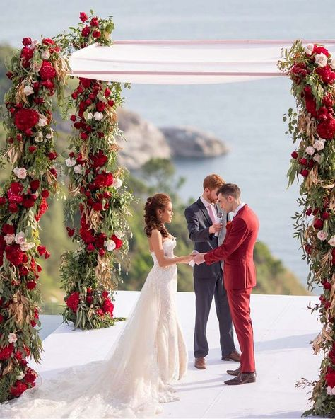 Wedding Colors - Complete Guide + Popular Palettes  Trends for 2020 / 2021 ❤ wedding colors red white flowers arch bride groom #weddingforward #wedding #weddingcolortrends #weddingcolors #weddingcolorscombination