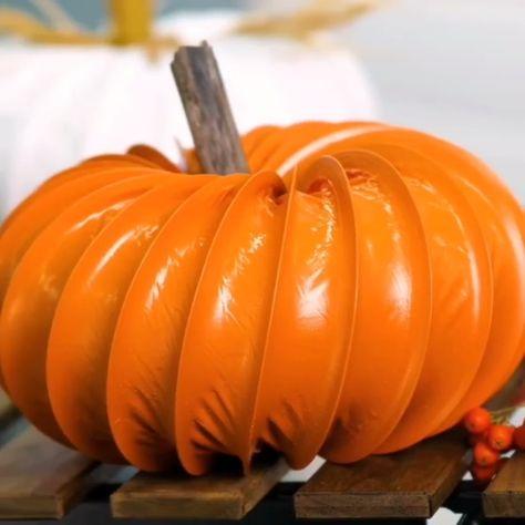 Halloween Diy pumpkin idea do it yourself upcycling All credits: @5.min.crafts