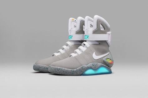 Nike Created Electronic Sneakers That Actually Lace Themselves | Create,  Fashion news and Lazy