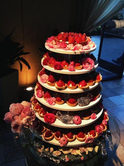 wedding cake alternatives : tart tower