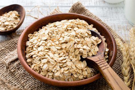 طرق أكل الشوفان في الإفطار وفوائده المختلفة وطريقة مميزة بالشوفان لأطفالك عبد الرحمن عامر Carbohydrates Food Food And Drink Healthy Evening Snacks