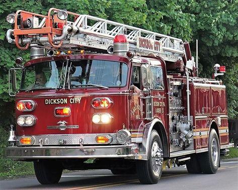 FIRE FIGHTER RETIRED EMBLEM RESCUE SHIELD RESPONSE HOSE TRUCK STICKER DECAL L22