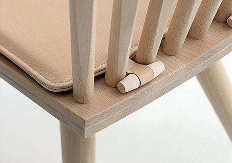 Fabulous way to keep cushions on chairs without all those ugly strings from the ties hanging out or ripping off the cushion - Crafts Diy Home Diy Projects To Try, Home Projects, Sewing Projects, Do It Yourself Inspiration, Design Inspiration, Diy Casa, Ideias Diy, Home Hacks, Slipcovers