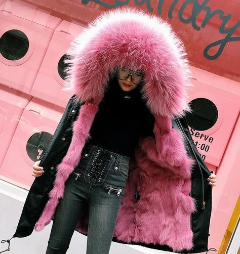 Materials: Fox Fur Collar + Down Sleeve ( real fur and good quality ) Length: Style: 4 kinds of wearing methods Washing Type: Dry Clean On