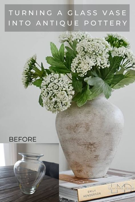 How to make a glass vase look like an antique found pottery vase. Spray Paint Vases, Painted Glass Vases, Antique Pottery, Pottery Vase, Diy Flowers, Diy Flower Vases, Vases Decor, Decorating Vases, Vase Crafts