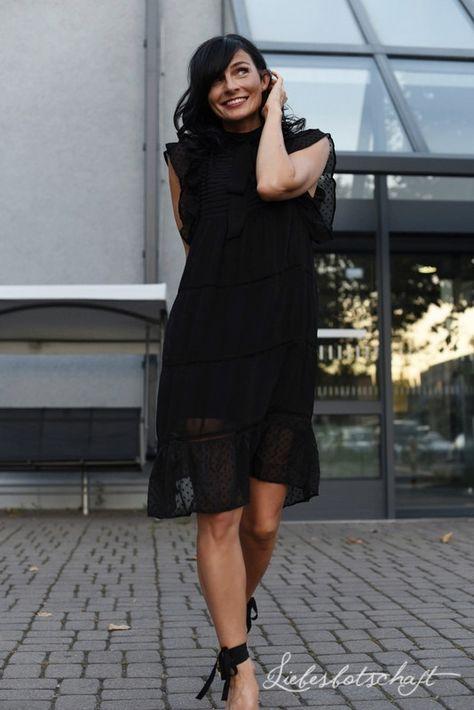 Liebesbotschaft: Fashion Wednesday: Killer Heels zum Kleinen Schwarzen.