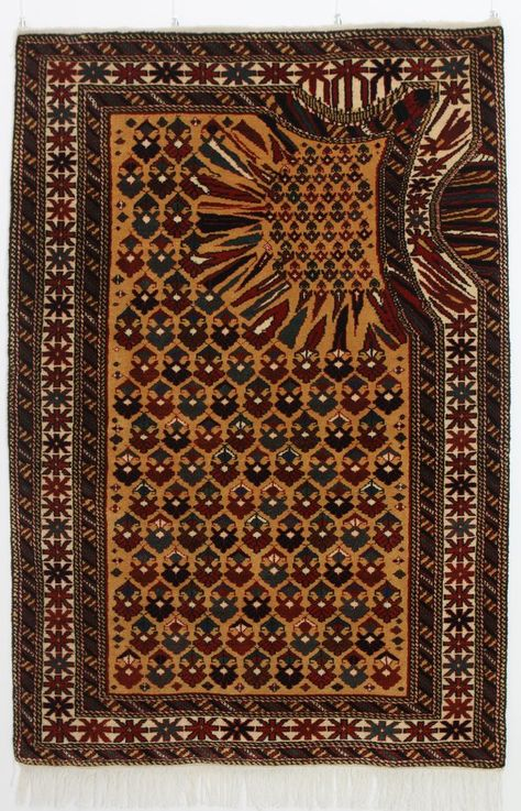 This Artist Makes Traditional Carpets That Look Like They Were Hit By A Software Bug Rugs Glitch Art Rugs On Carpet