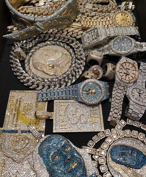 Unusual Jewelry, Cute Jewelry, Jewelry Accessories, Rapper Jewelry, Diamond Grillz, Grunge Jewelry, Urban Jewelry, Accesorios Casual, Luxury Watches For Men