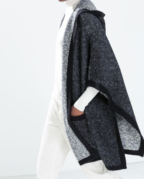 HOODED TWO-TONE PONCHO WITH PIPING