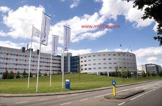 منحتي منحة جامعة ماستريخت لدراسة الماجستير في هولندا 202 Soccer Field Field