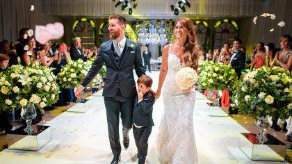 Lionel Messi Und Antonella Feiern Traumhochzeit Mutter Provoziert Mit Outfit Hochzeit Promis Heiraten
