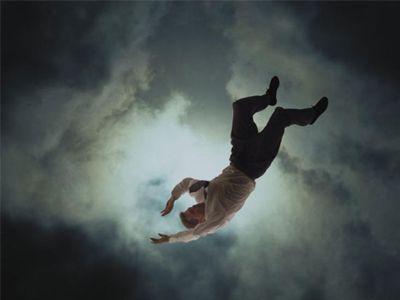 تفسير حلم السقوط من مكان مرتفع في المنام بكل دلالاته Sleep Disorders Short Film Sleep