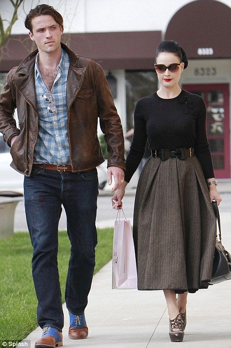 Dita Von Teese street Style/ Fall Fashion Vintage Style Inspiration/ Fashion/ Style/ Retro Style/ Mens Fashion/ Men's Style Source by emlabasan fashion night out
