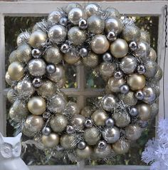 Metallic Ornament Wreath: Thrifty Doesn't Mean Cheapo I ...