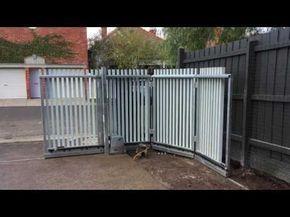 Puerta Corredera Curva Aluminio Youtube Sliding Gate Driveway Gate Diy Front Gate Design