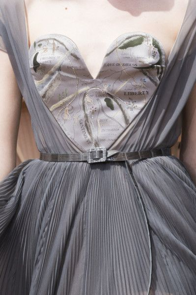 Christian Dior at Couture Fall 2017 - The Most Beautiful Details on the Fall '17 Couture Runway - Photos