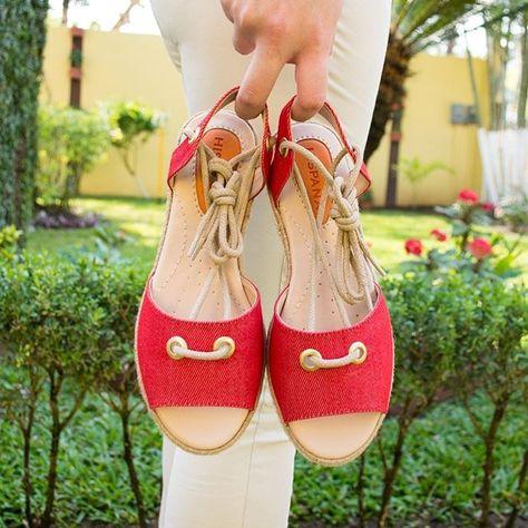 El nuevo par está increíble ❤ #potd #shoes #shoeslover #sandalias #primavera #style #modamexicana #newarrivals #tiendaenlinea #shoponline #red
