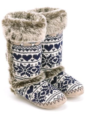 Blue & White Slipper Boots. Look so comfy!!